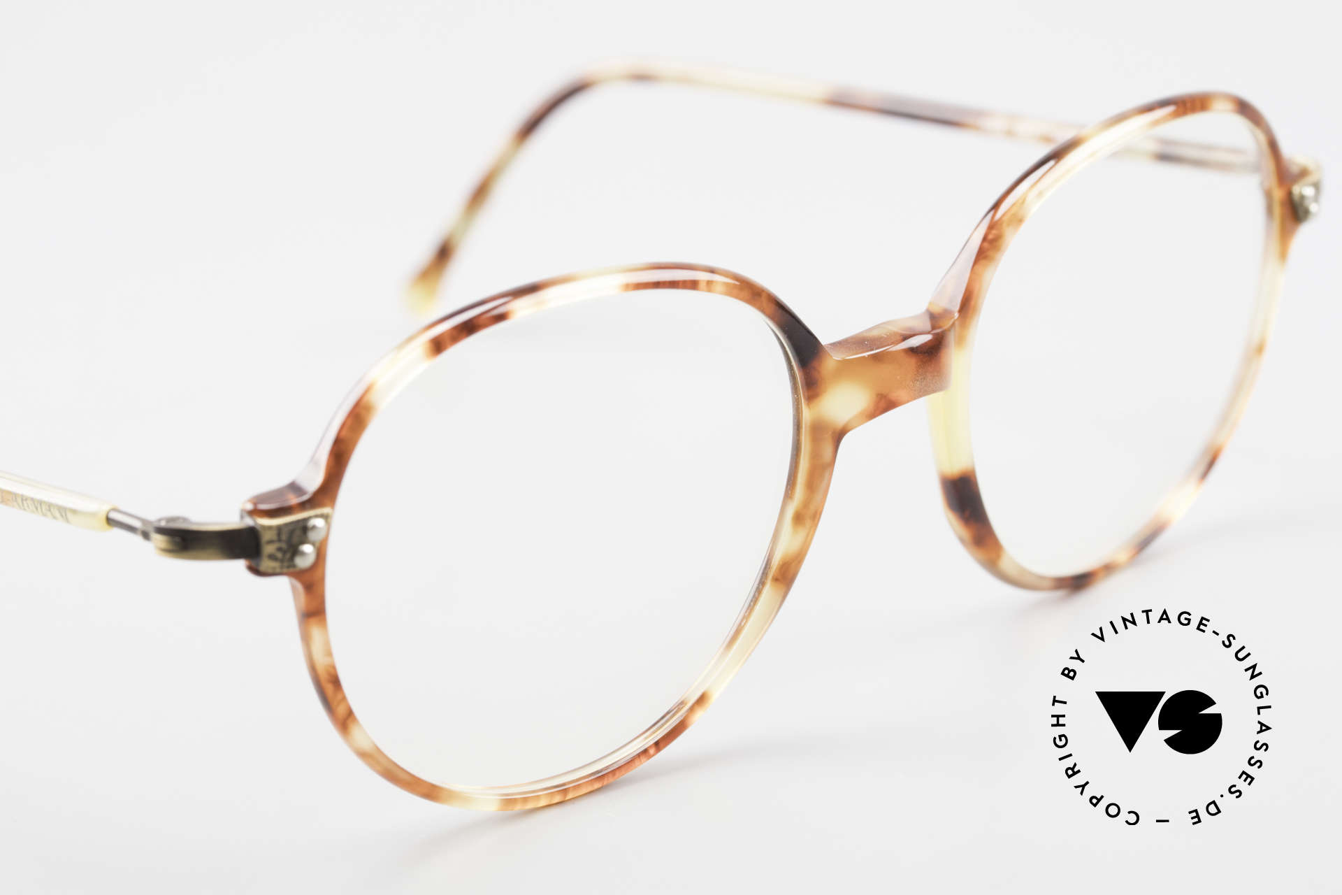 Giorgio Armani 334 Vintage Round Eyeglass-Frame, never worn (like all our vintage Giorgio Armani specs), Made for Men and Women