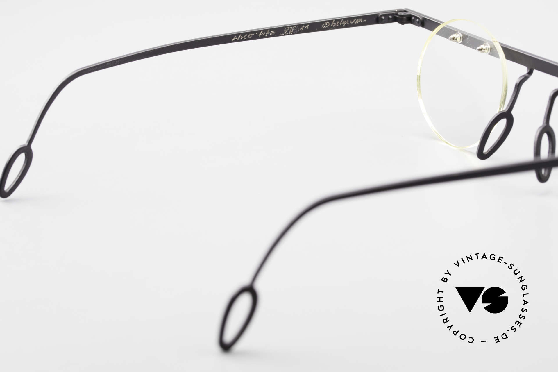 Theo Belgium Tita VII 11 Vintage Titanium Eyeglasses, DEMO LENSES can be replaced with optical / sun lenses, Made for Men and Women