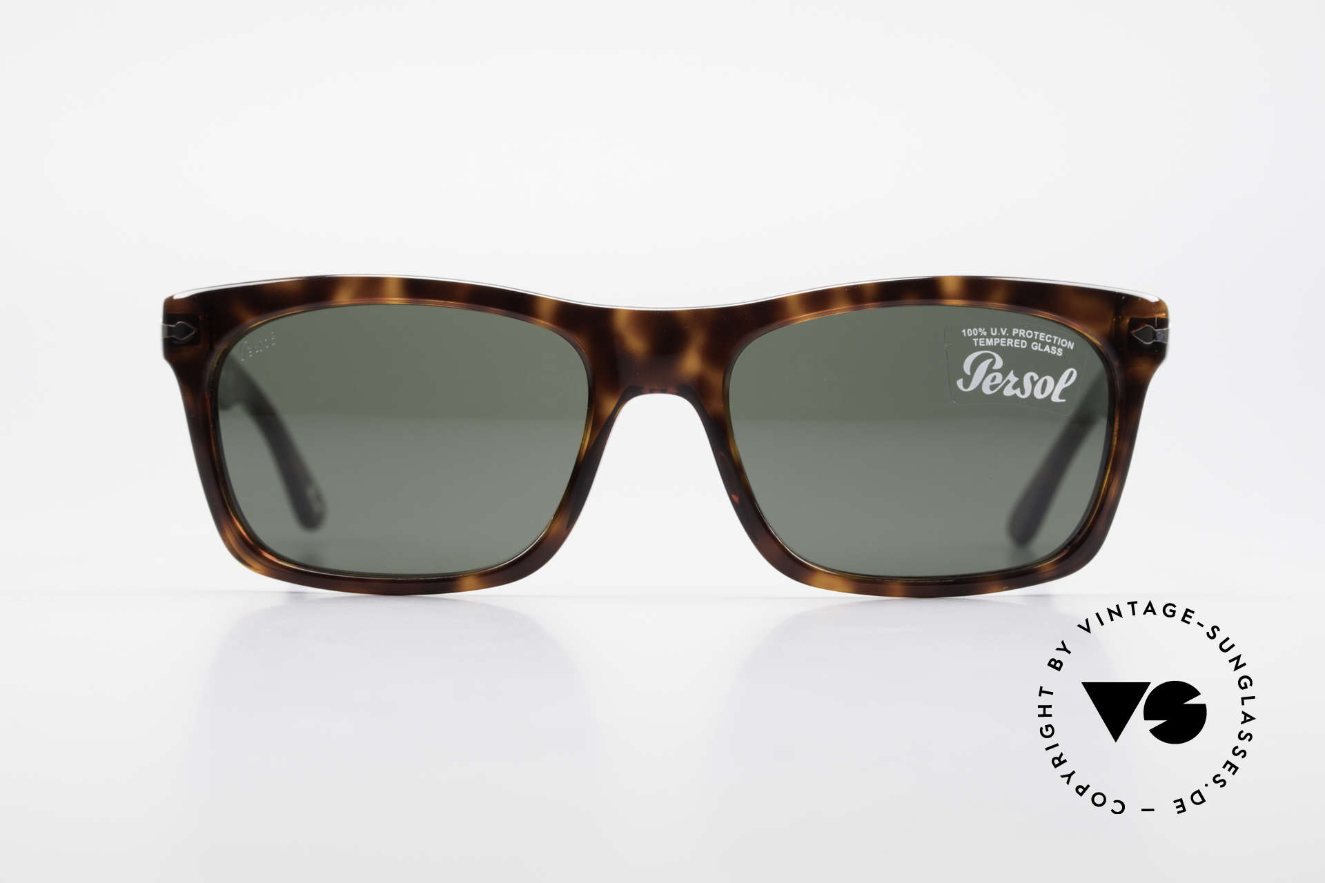 Persol 3062 Classic Unisex Sunglasses, classic timeless design and best craftsmanship, Made for Men and Women