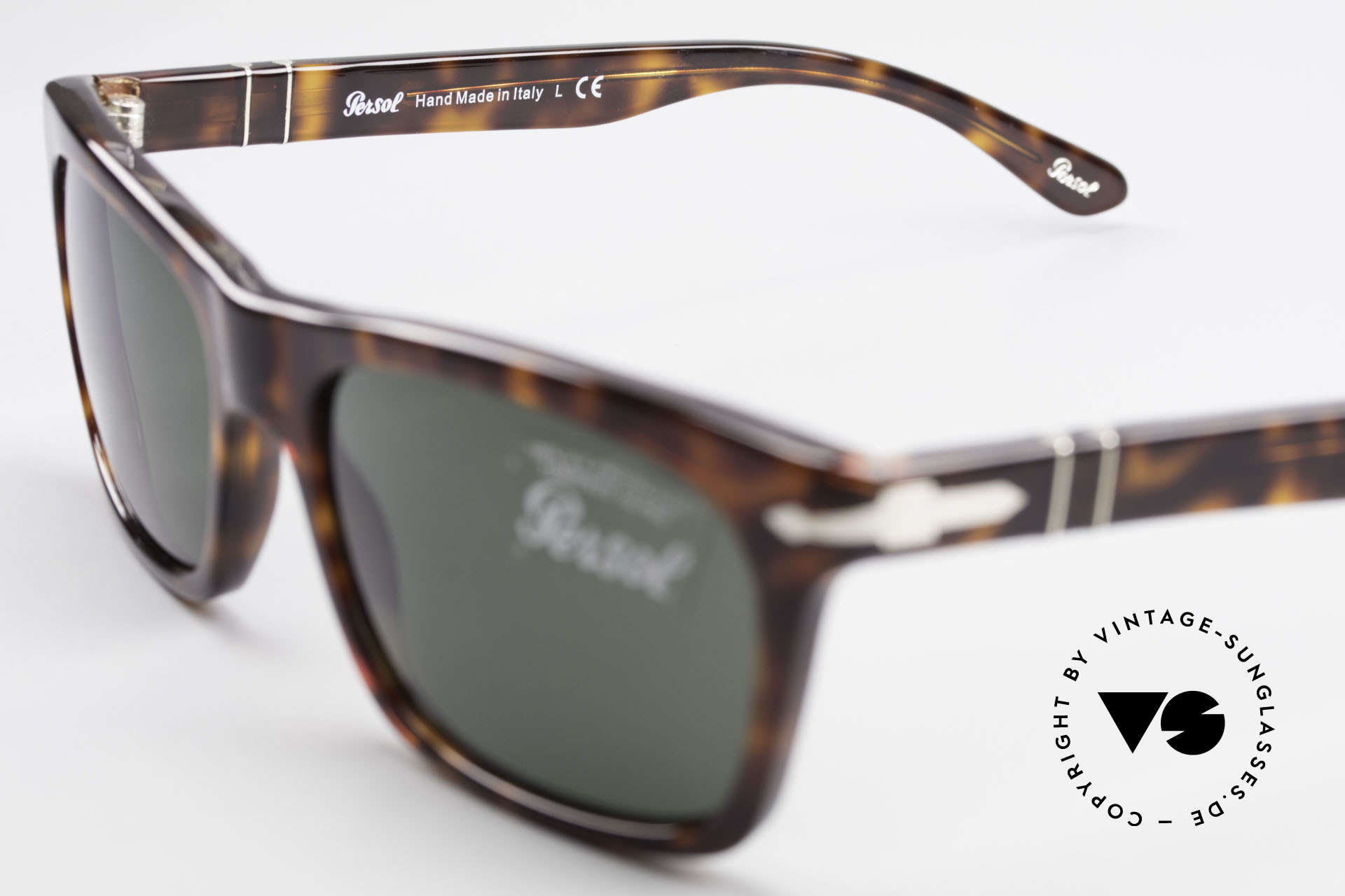 Persol 3062 Classic Unisex Sunglasses, sun lenses could be replaced with prescriptions, Made for Men and Women
