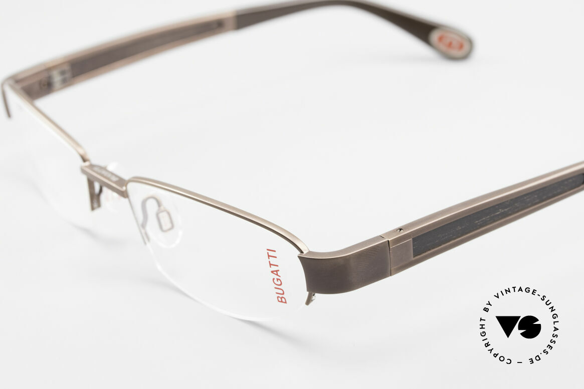 Bugatti 520 Ebony Wood Titanium Frame, this model is definitely at the top of the eyewear sector, Made for Men