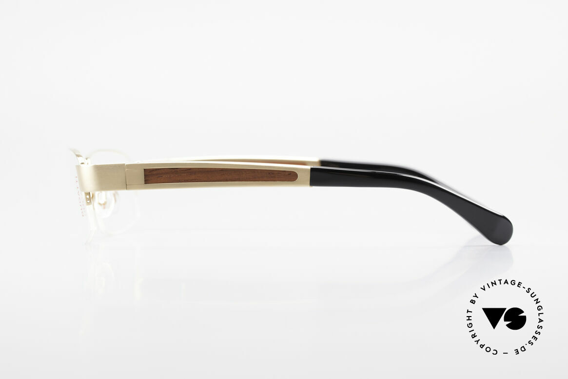 Bugatti 521 Precious Padouk Wood Gold, flexible spring hinges for a 1st class wearing comfort, Made for Men