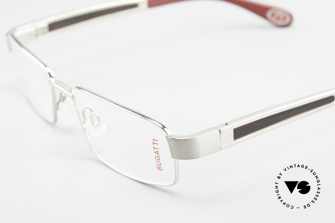 Bugatti 522 Palladium Ebony Titan Frame, this model is definitely at the top of the eyewear sector, Made for Men