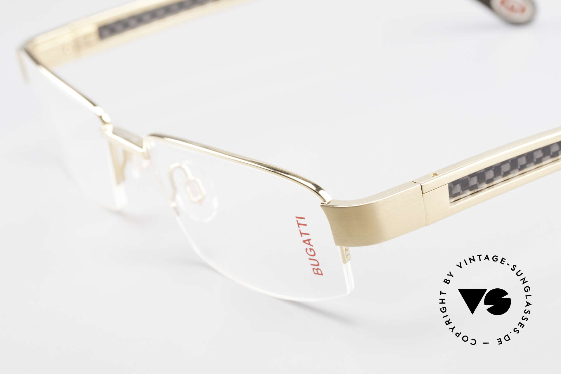 Bugatti 524 Carbon Titanium Gold Frame, this model is definitely at the top of the eyewear sector, Made for Men