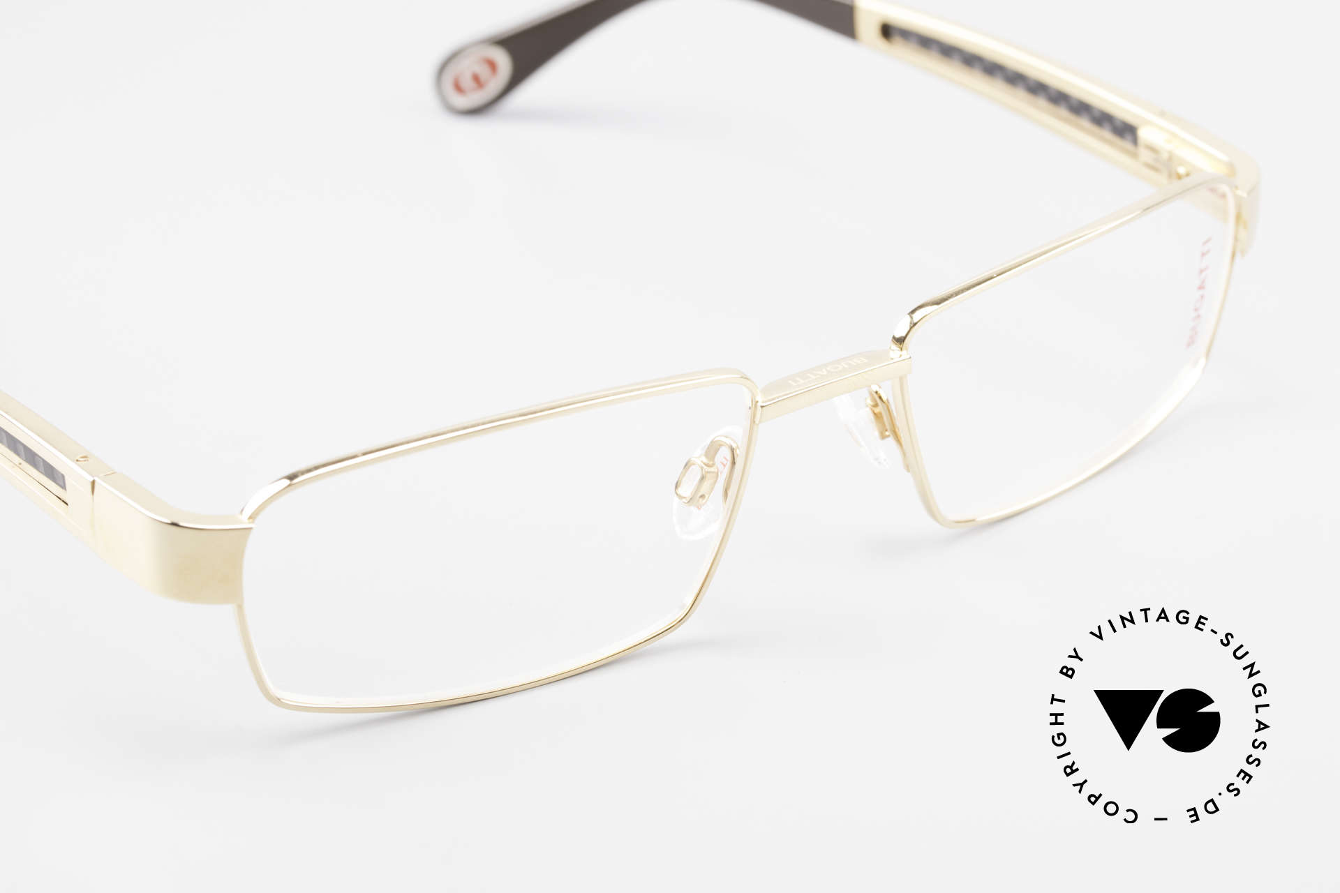 Bugatti 525 Titanium Frame Carbon Gold, this model is definitely at the top of the eyewear sector, Made for Men