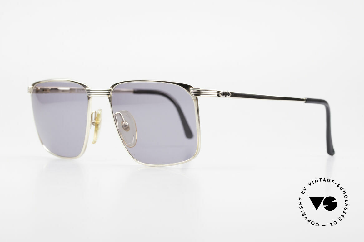 Christian Dior 2728 80's Gentlemen's Sunglasses, gold-plated metal frame with discreet black stripes, Made for Men