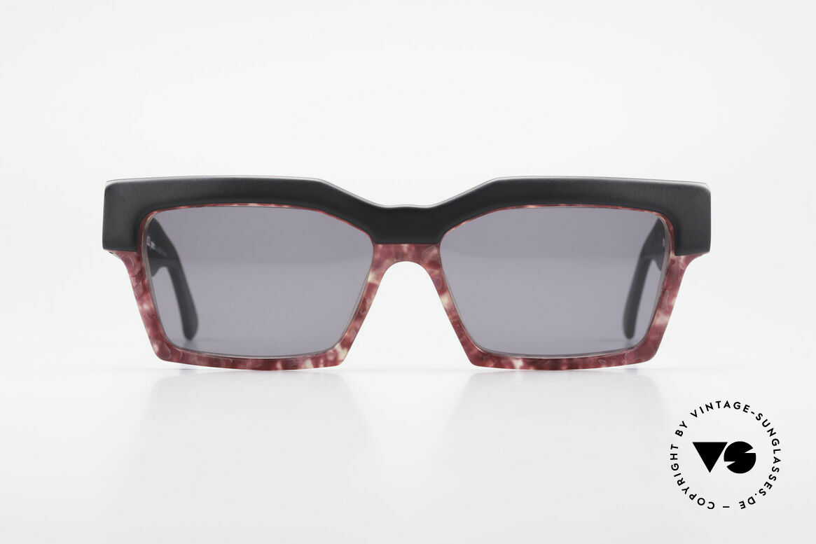 Alain Mikli 318 / 423 80's XL Designer Sunglasses, the model looks like the shades of famous movie stars, Made for Women