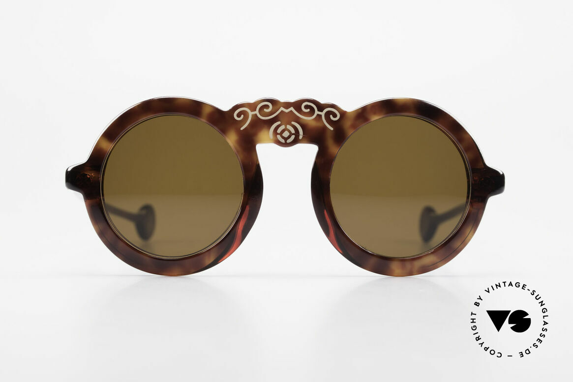 Laura Biagiotti V93 Shangai True Vintage 70's Sunglasses, charming designer piece of the 70's; made in Italy, Made for Women