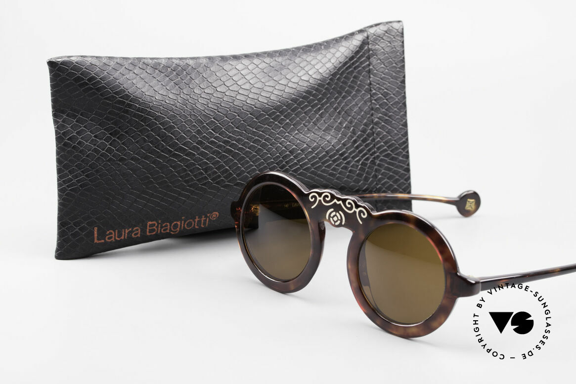 Laura Biagiotti V93 Shangai True Vintage 70's Sunglasses, Size: small, Made for Women