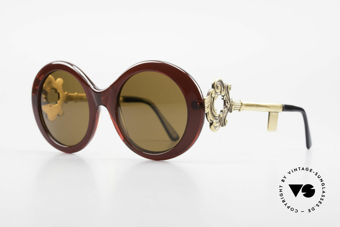 Moschino M254 Antique Key Sunglasses Rare, temples are shaped like an antique key (so FANCY), Made for Women