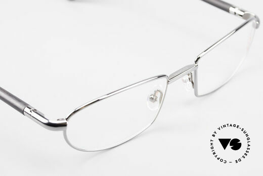 Bugatti 537 Genuine Horn Frame Ruthenium, this model is definitely at the top of the eyewear sector, Made for Men
