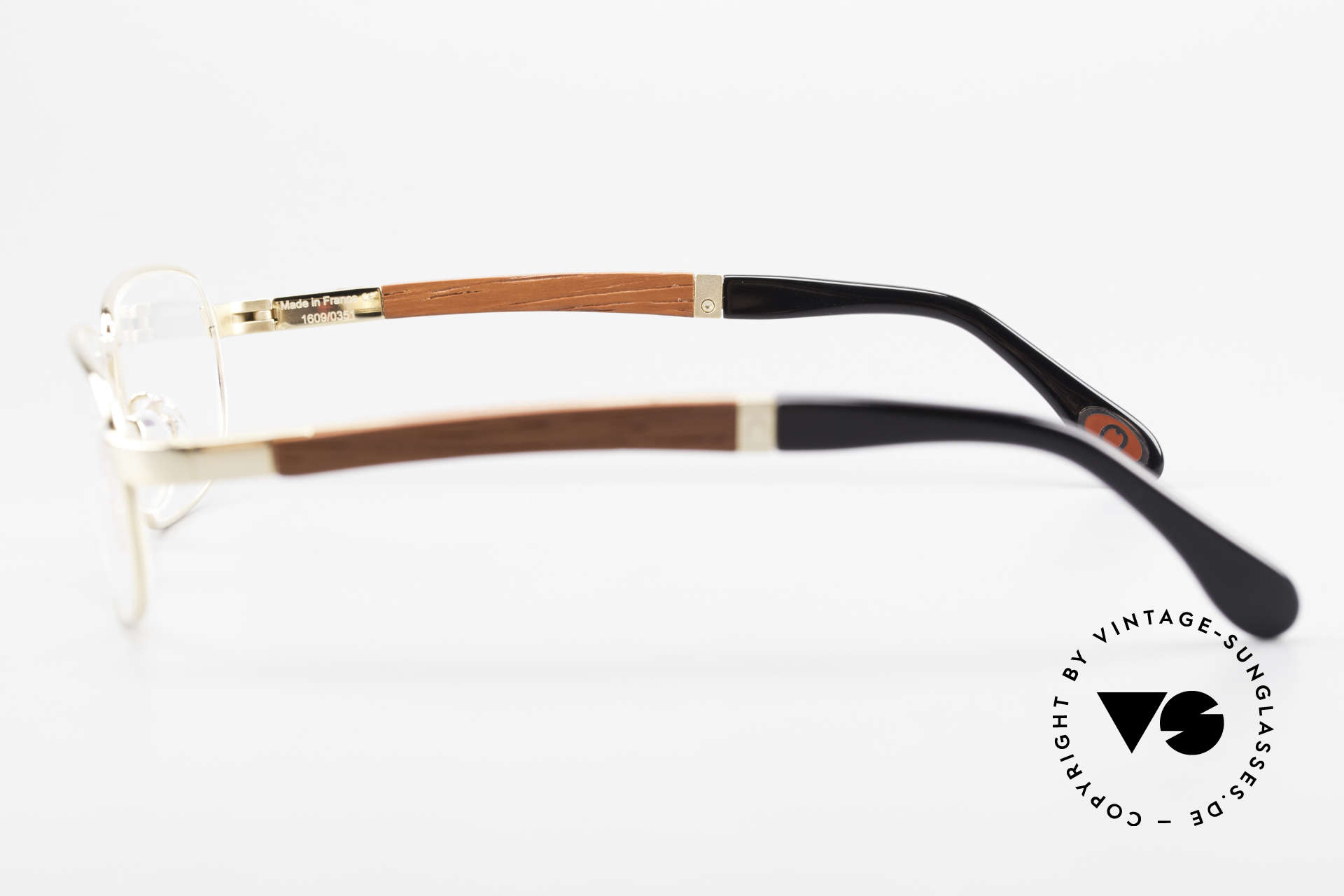 Bugatti 549 Precious Padouk Wood Gold, this model is definitely at the top of the eyewear sector, Made for Men