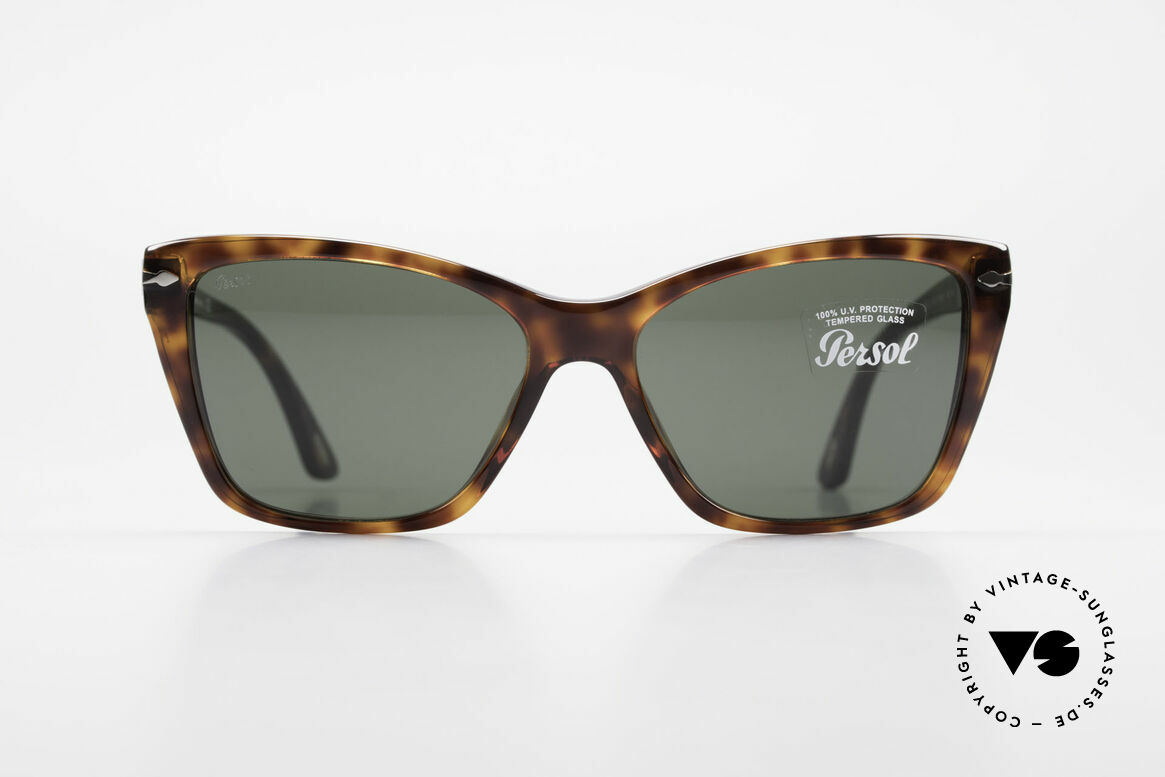 Persol 3023 Ladies Sunglasses Classic, classic timeless design and best craftsmanship, Made for Women
