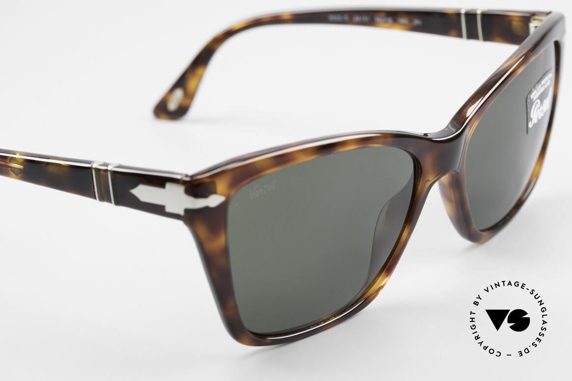 Persol 3023 Ladies Sunglasses Classic, reissue of the old vintage Persol RATTI models, Made for Women