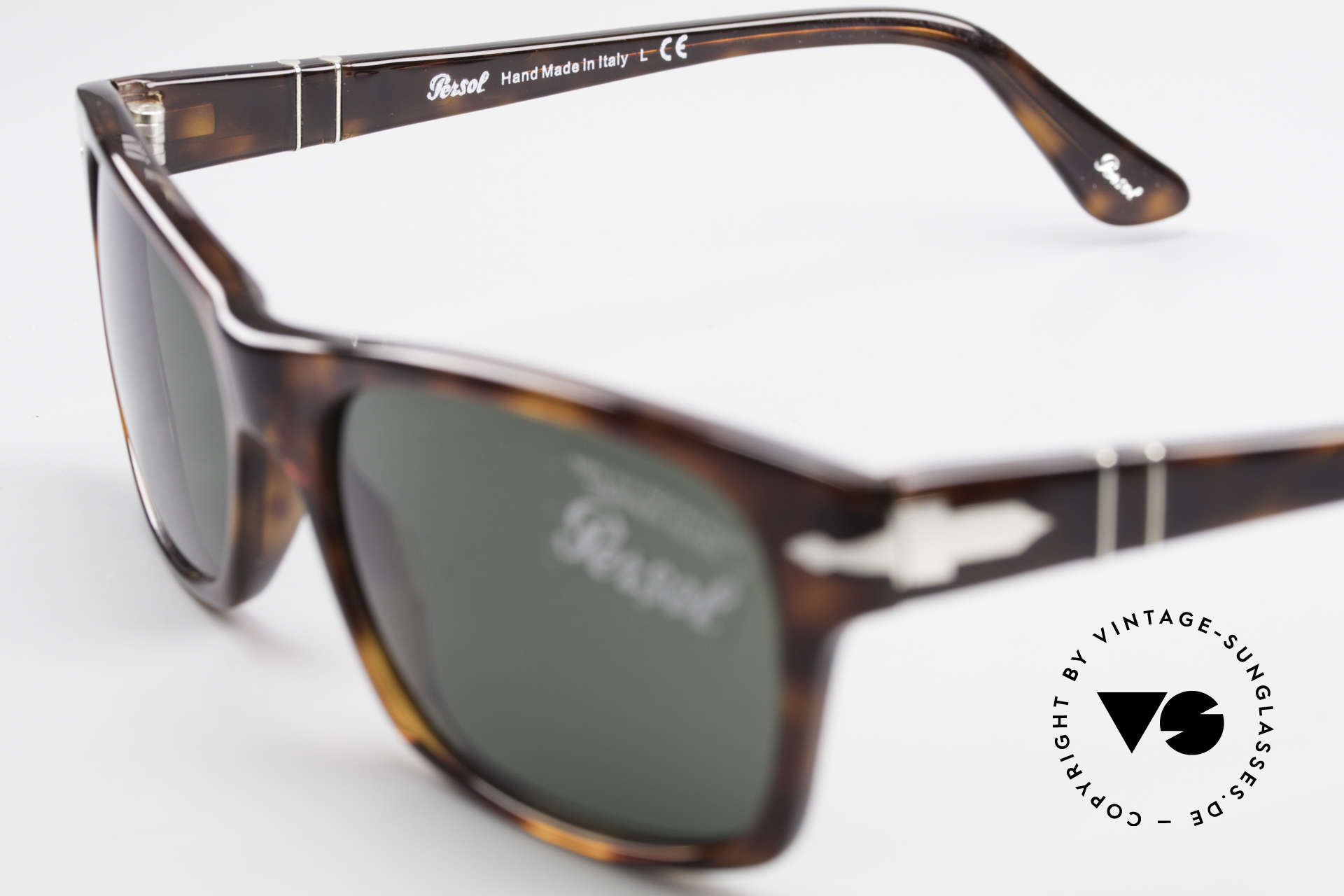 Persol 3037 Designer Sunglasses Unisex L, the sun lenses could be replaced with lenses of any kind, Made for Men and Women