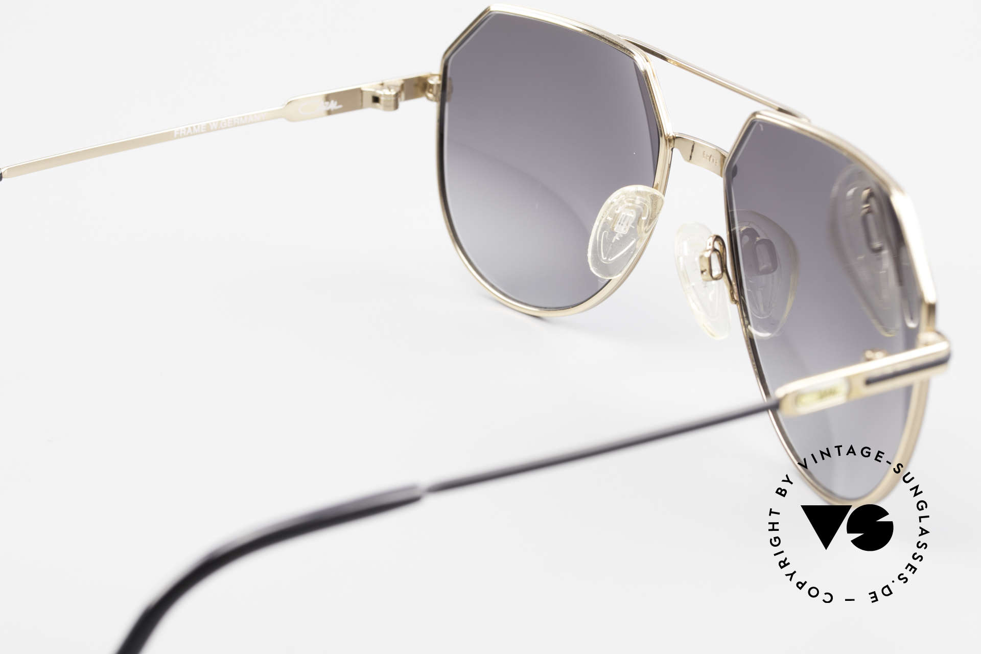 Cazal 724 West Germany Titan Cazal 80's, with gray-gradient sun lenses for 100% UV protection, Made for Men