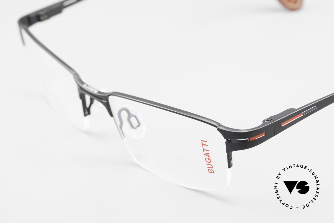 Bugatti 456 Titanium Eyeglass-Frame Nylor, sporty frame & lens design + flexible spring hinges, Made for Men