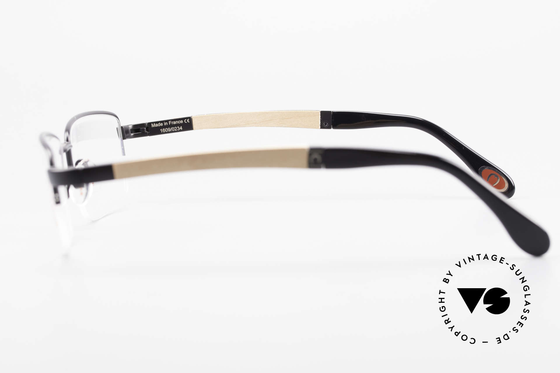 Bugatti 547 Walnut Wood Luxury Glasses L, the model is definitely at the top of the eyewear sector, Made for Men