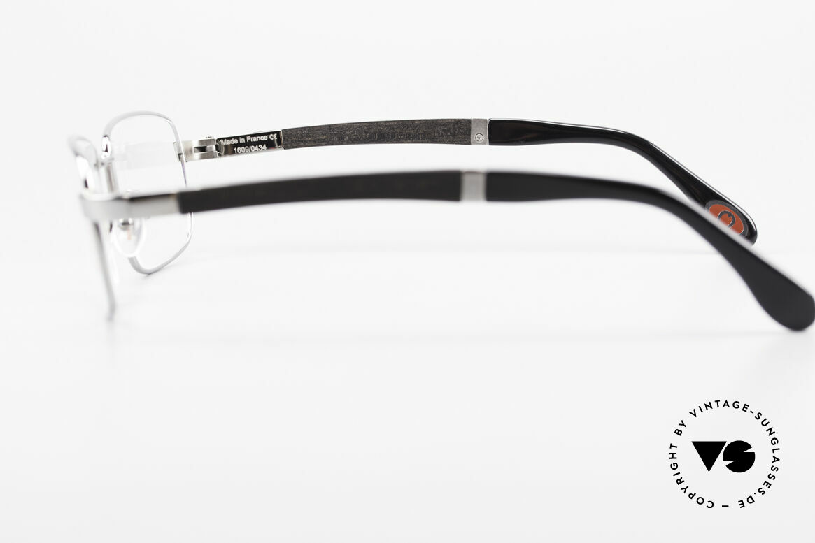 Bugatti 548 Precious Ebony Ruthenium M, the model is definitely at the top of the eyewear sector, Made for Men