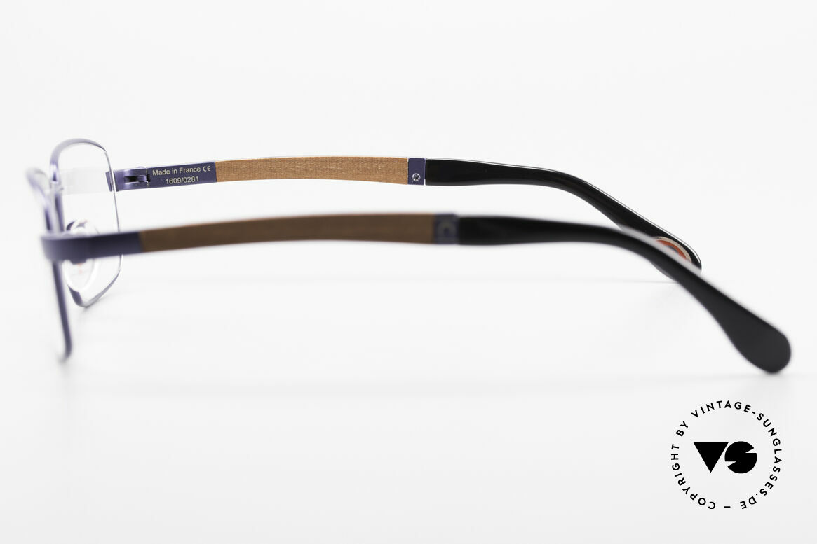 Bugatti 548 Pure Wood Frame Blue Navy M, the model is definitely at the top of the eyewear sector, Made for Men