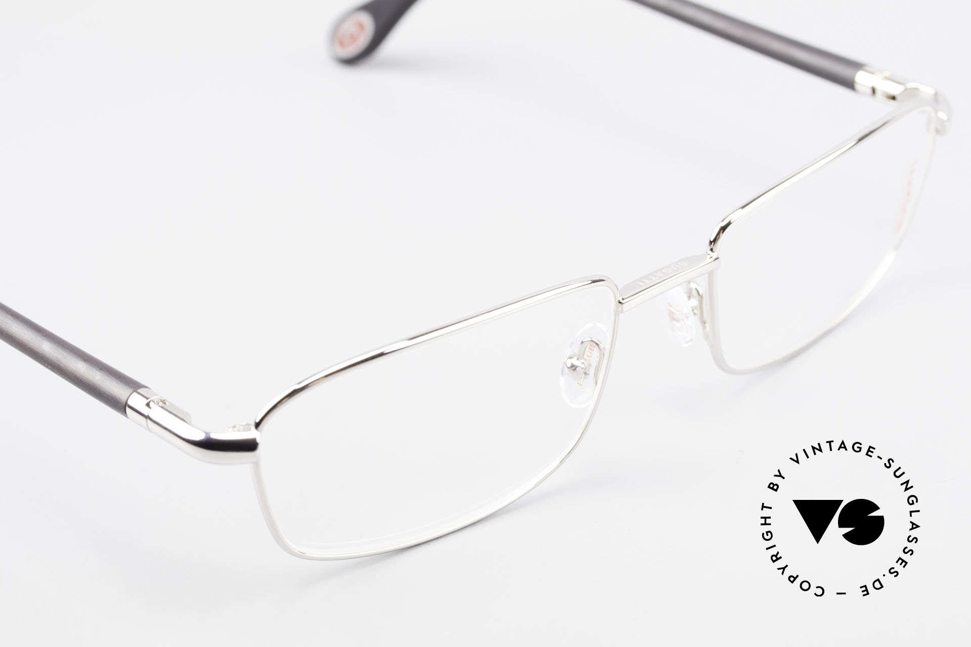 Bugatti 540 White Gold And Genuine Horn, the model is definitely at the top of the eyewear sector, Made for Men
