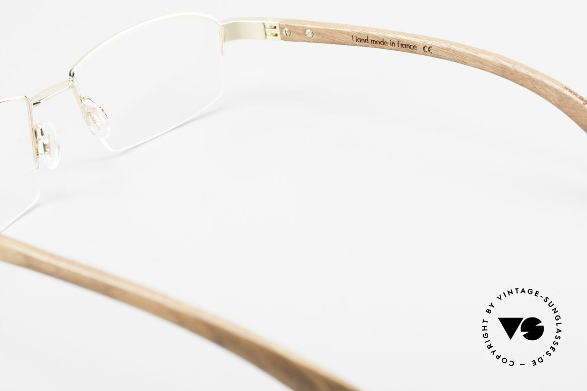 Bugatti 473 Kotibé Precious Wood Gold, the model is definitely at the top of the eyewear sector, Made for Men