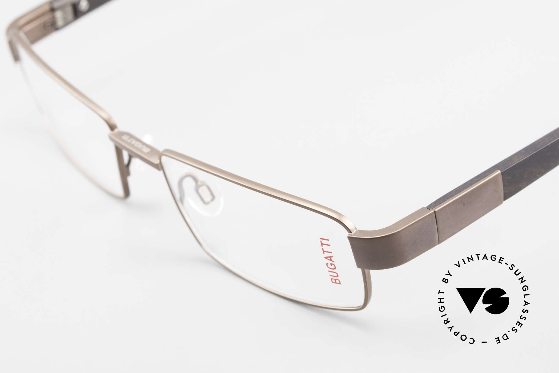 Bugatti 531 Ebony Titanium Eyeglass-Frame, flexible spring hinges for a 1st class wearing comfort, Made for Men