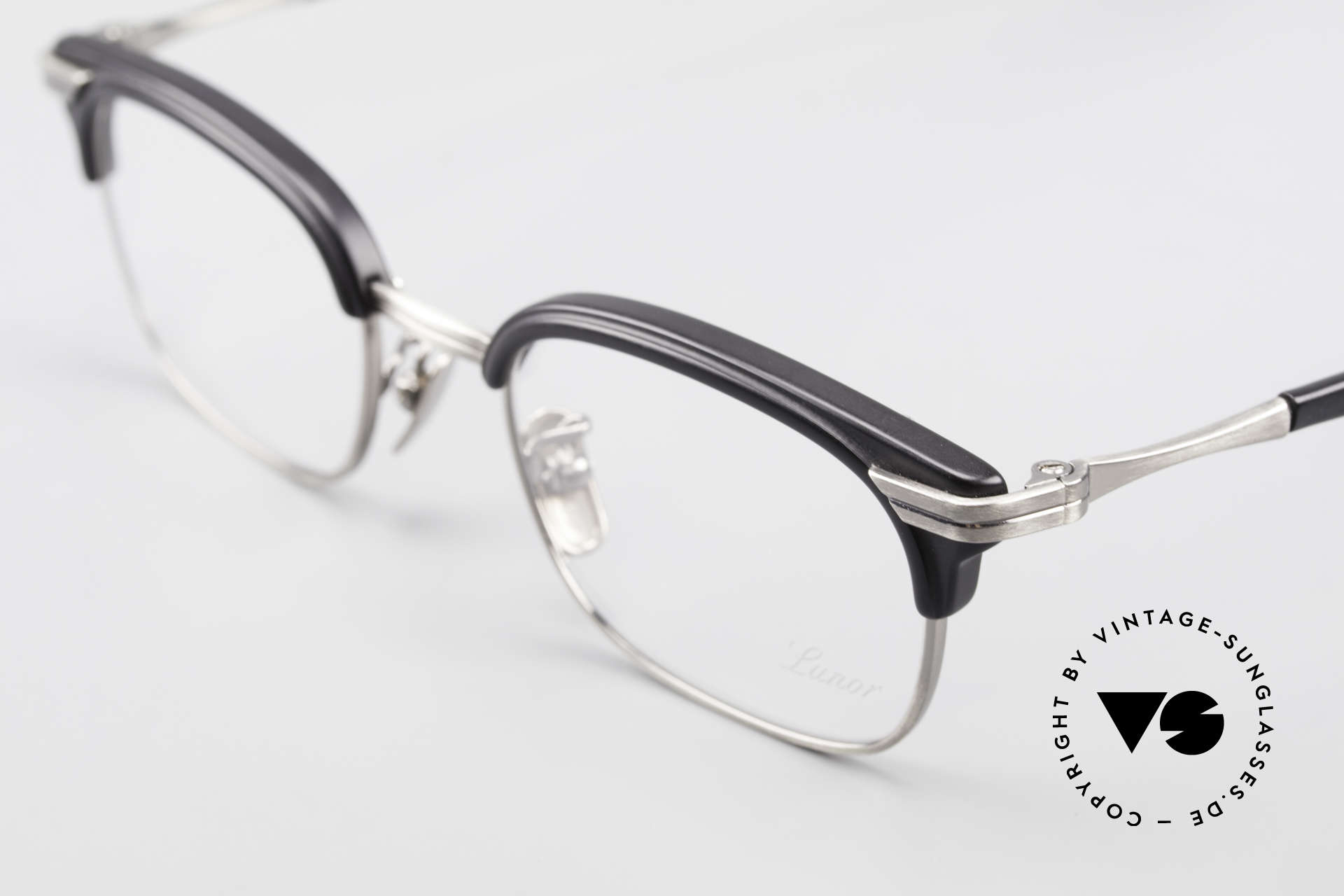 Lunor M92 Striking Vintage Glasses Small, unworn RARITY (for all lovers of quality) in SMALL size, Made for Men