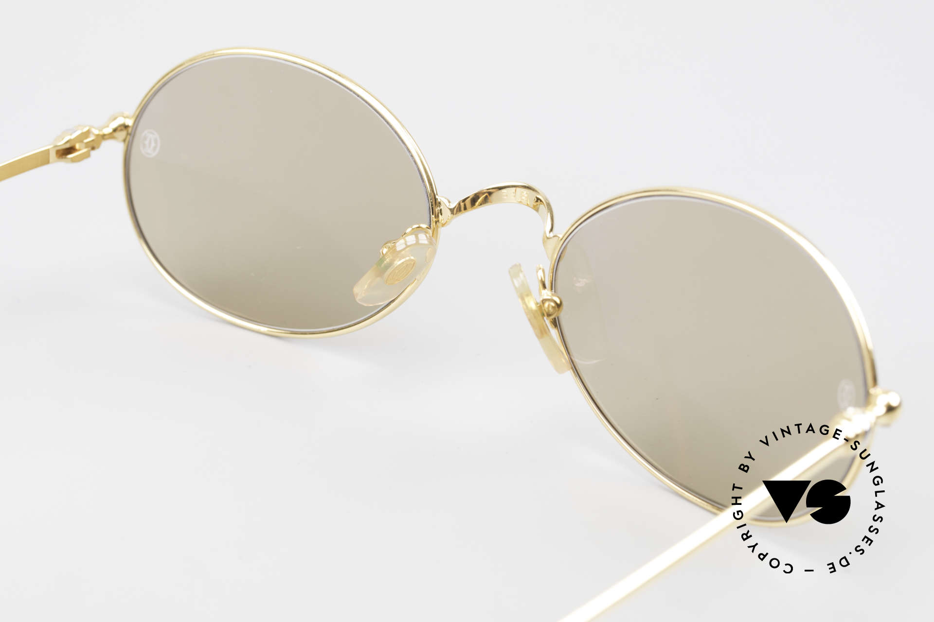 Cartier Saturne - L Oval 90's Luxury Sunglasses, NO RETRO eyewear; an old 90's original with GUCCI case, Made for Men and Women