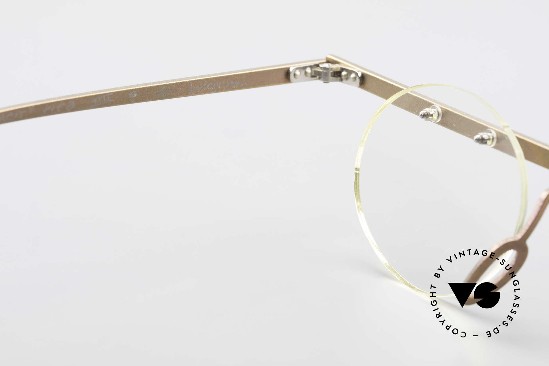 Theo Belgium Tita VII 9 Vintage Titanium Eyeglasses, an old, unworn THEO original and NO RETRO EYEWEAR, Made for Men and Women