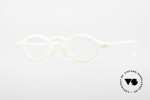 Theo Belgium Phone Ivory Optic Frame Details