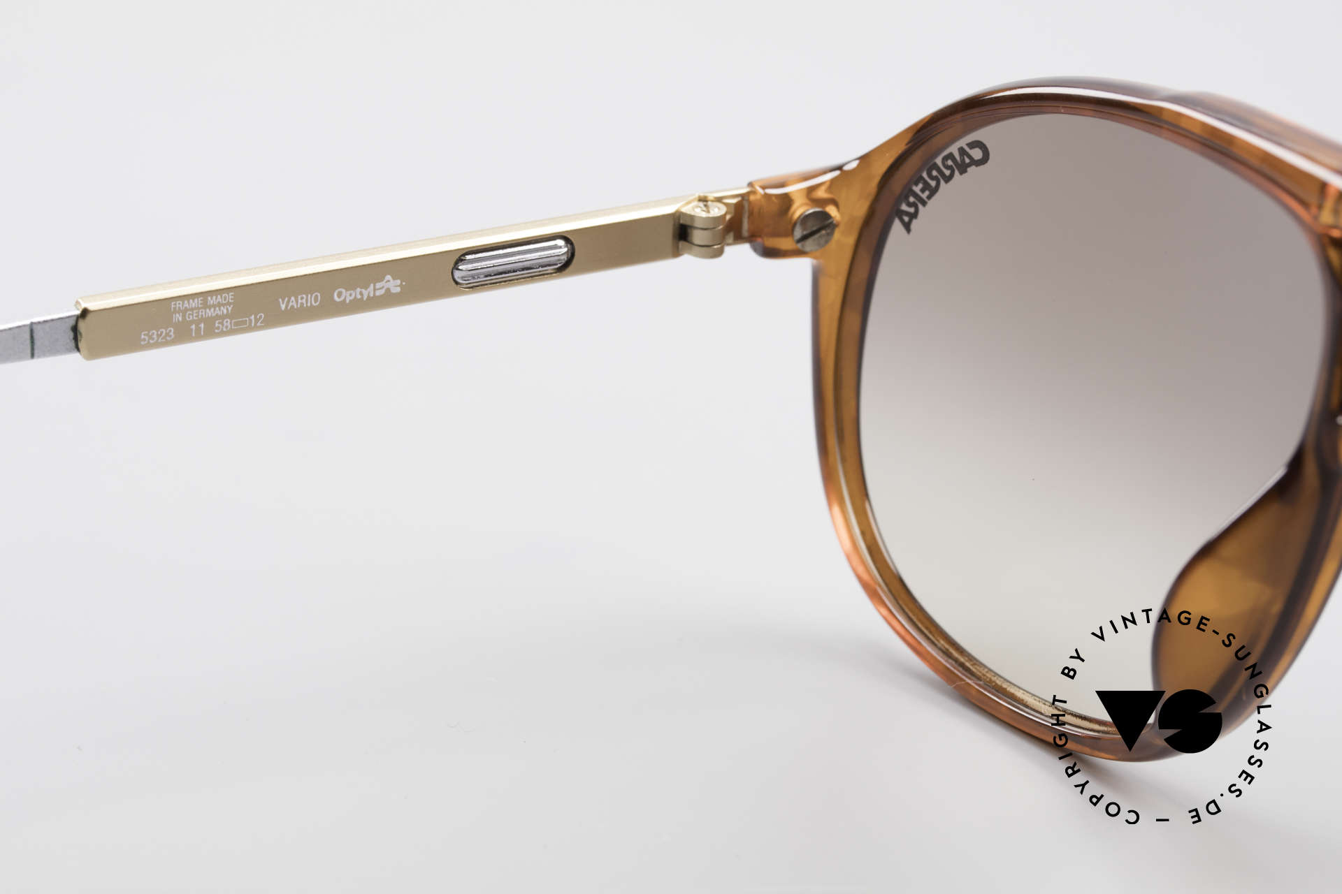 Carrera 5323 Adjustable Temples Vario 80's, Carrera sun lenses (100% UV protection) + case, Made for Men and Women