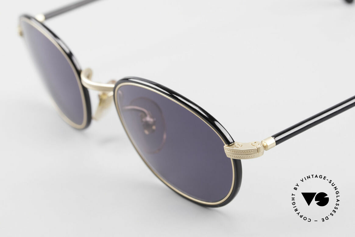 Cutler And Gross 0394 Classic Vintage Sunglasses, very elegant combination of materials and classic colors, Made for Men and Women