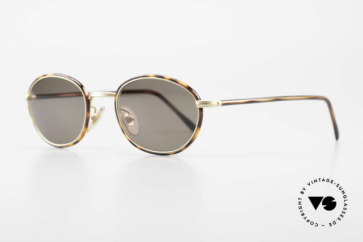 Cutler And Gross 0394 Classic Vintage Sunglasses 90s, stylish & distinctive in absence of an ostentatious logo, Made for Men and Women