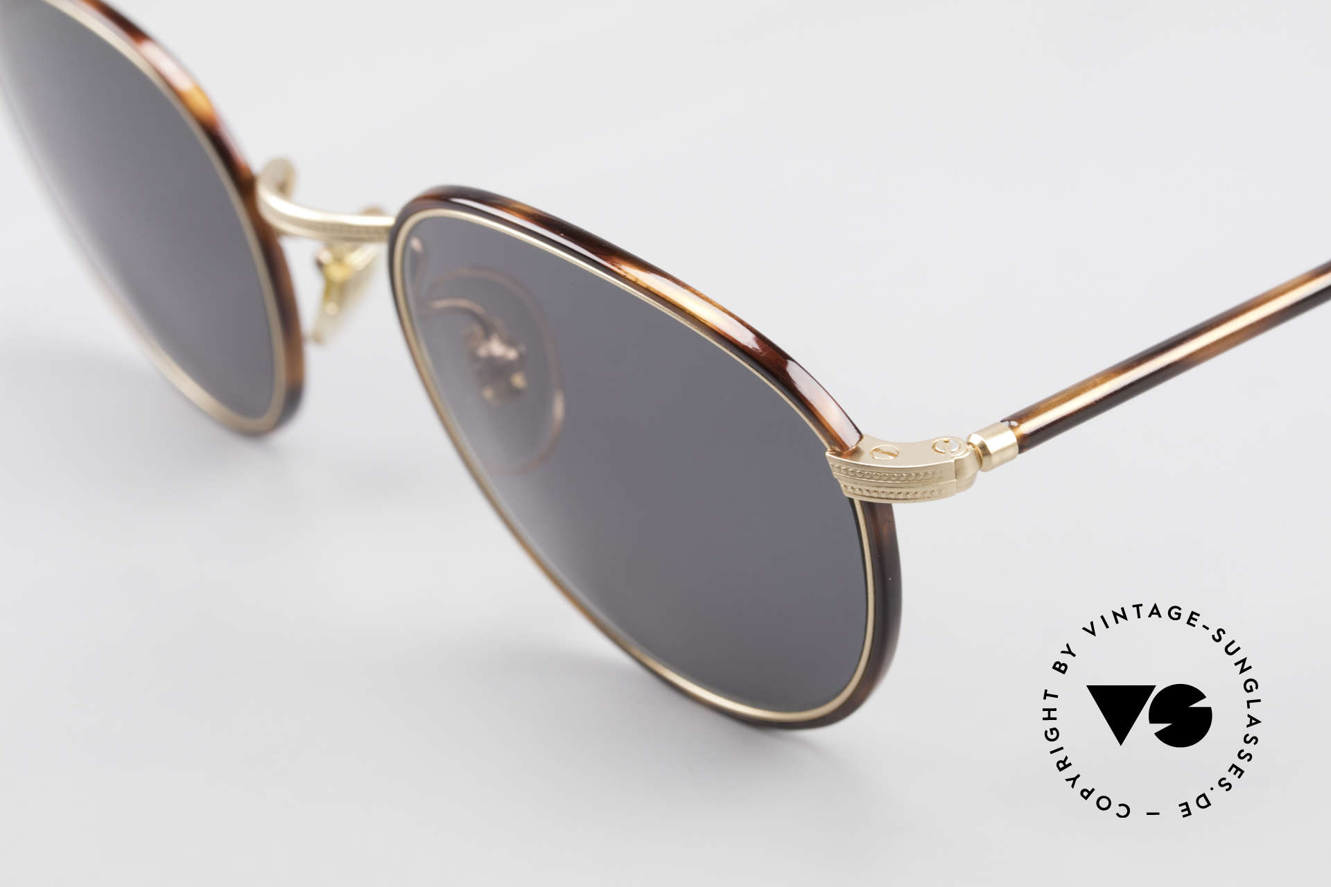 Cutler And Gross 0352 Panto Vintage Sunglasses 90s, very elegant combination of materials and classic colors, Made for Men and Women