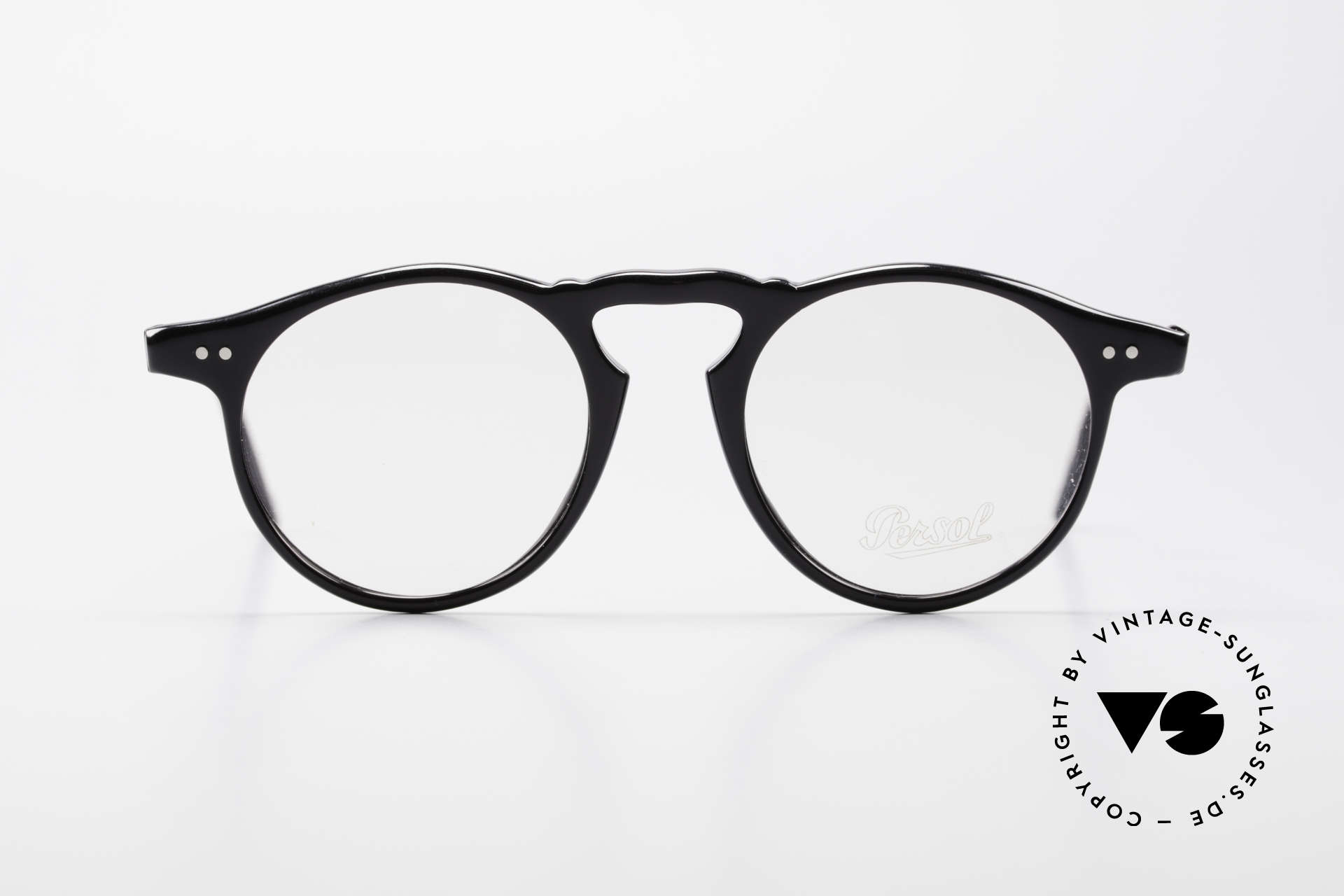 Persol 750 Ratti 80's Vintage Panto Eyeglasses, noble & timeless model; legendary Panto Design, Made for Men and Women
