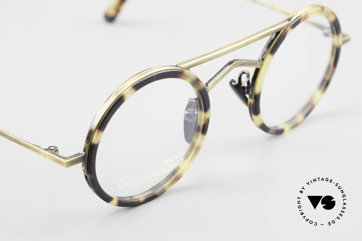 Gianni Versace 620 Round 90's Vintage Eyeglasses, still unworn (like all our Gianni Versace eyewear), Made for Men and Women
