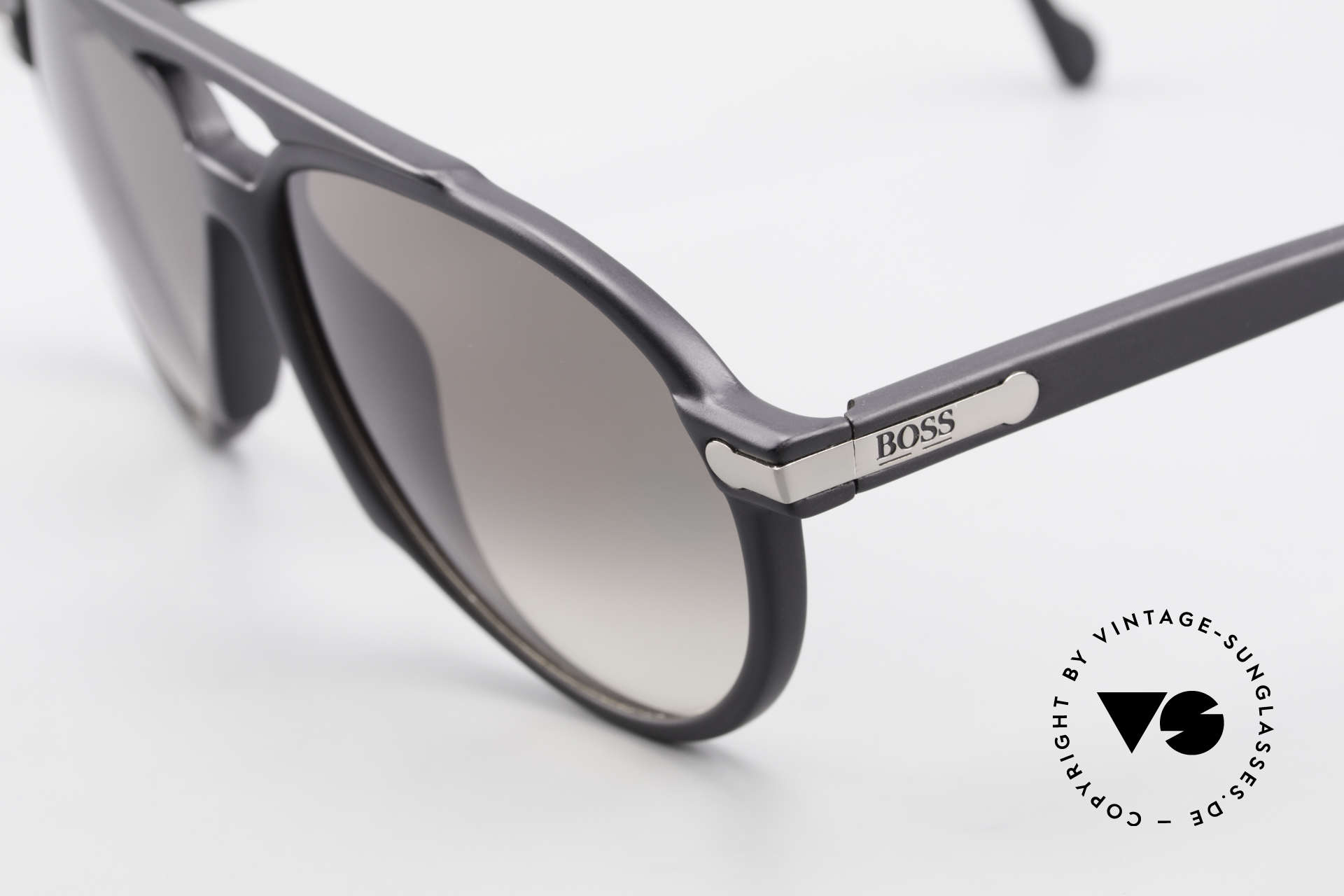 BOSS 5150 Vintage 90's Aviator Shades, lightweight & very comfortable (Optyl material), Made for Men and Women