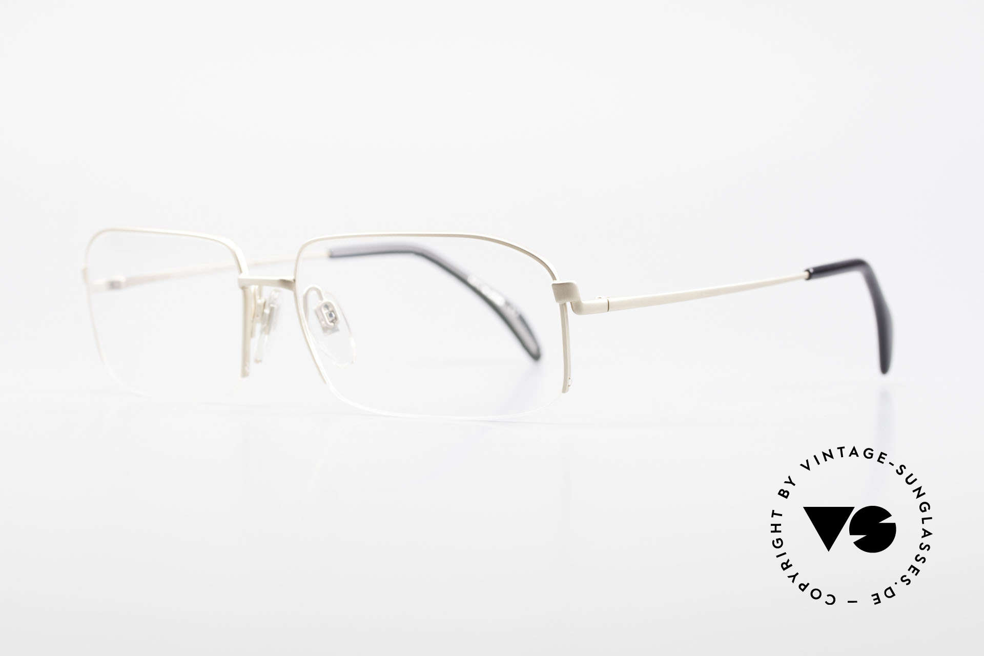 Wolfgang Proksch WP0102 Titanium Frame Made in Japan, plain frame lines and Japanese striving for quality, Made for Men