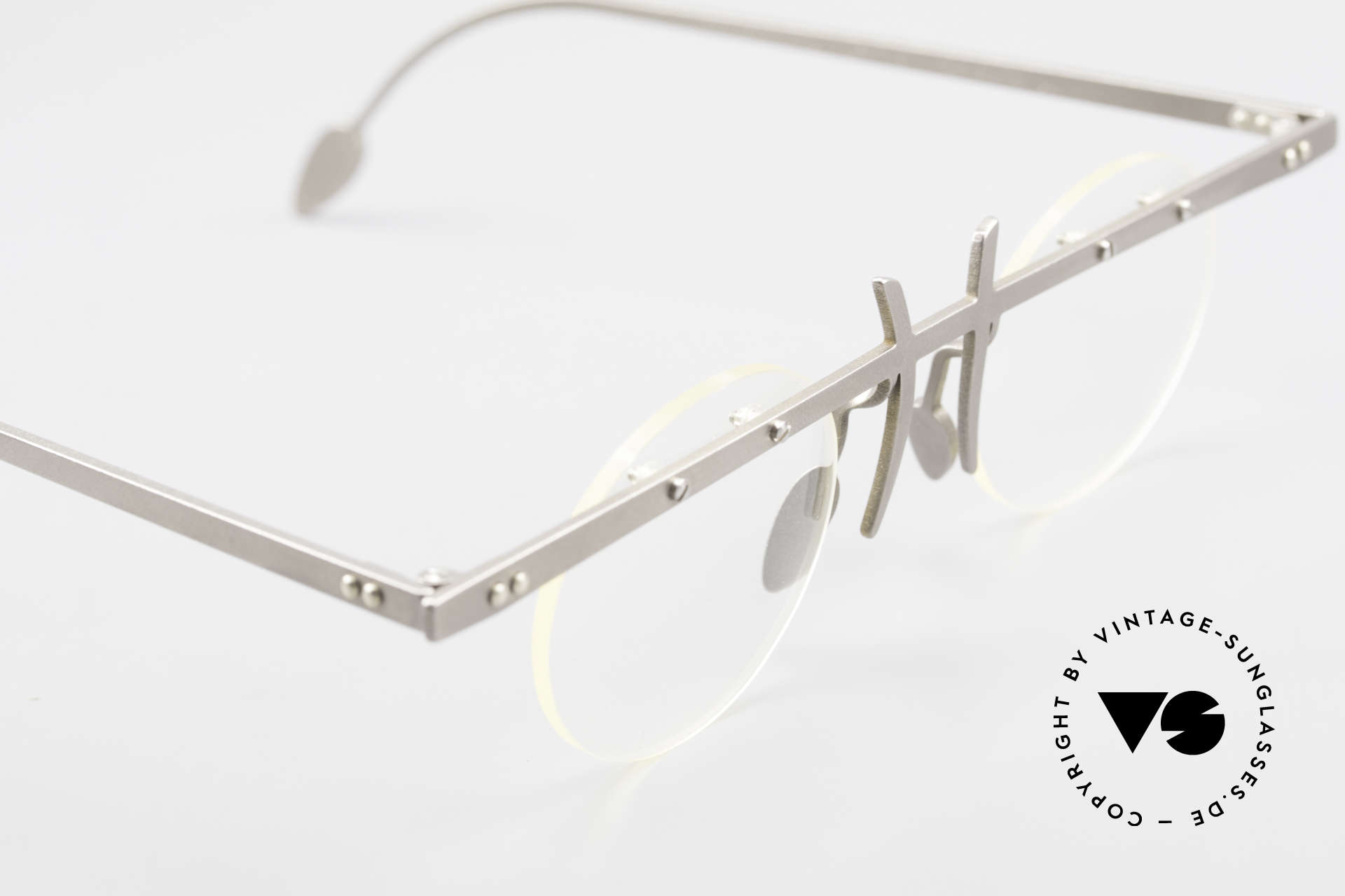 Theo Belgium Tita VI 3 Crazy Eyeglasses Titanium 90s, an old, unworn THEO original and NO RETRO EYEWEAR, Made for Men and Women