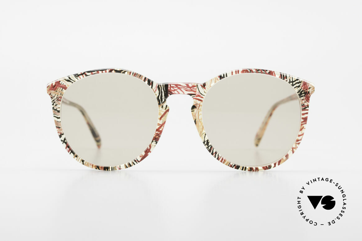 Alain Mikli 901 / 770 Panto Frame Crystal Patterned, classic 'panto'-design with light brown sun lenses, Made for Men and Women