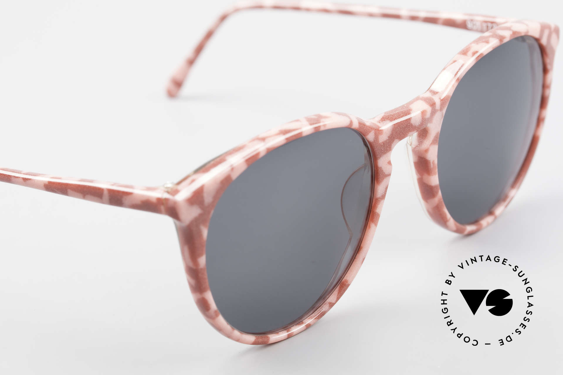 Alain Mikli 901 / 172 Panto Frame Red Pink Marbled, never worn (like all our vintage Alain Mikli specs), Made for Women