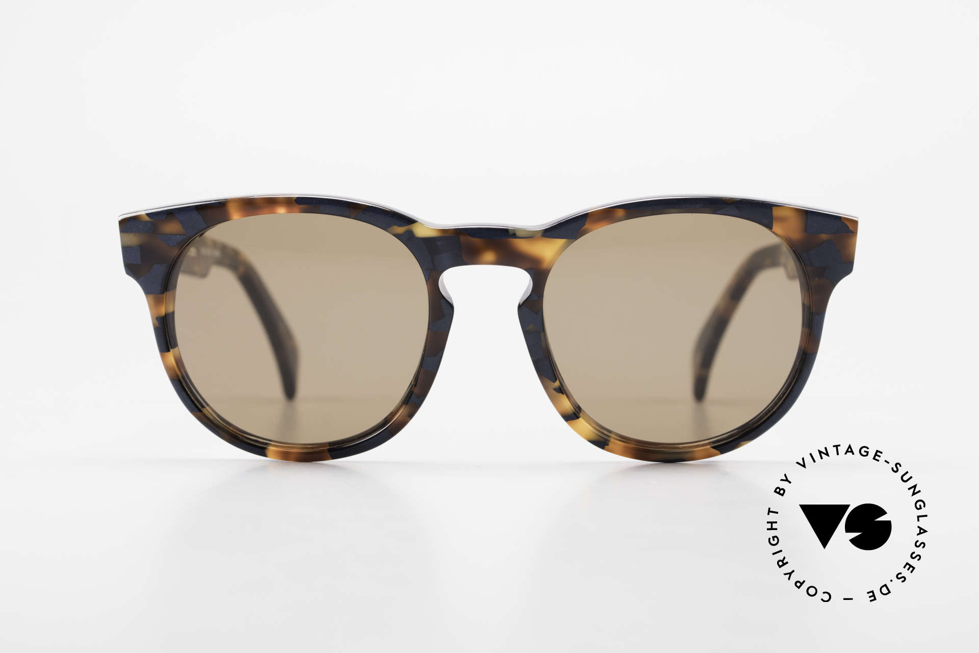 Alain Mikli 6903 / 622 XS Panto Frame Marbled Brown, classic 'panto'-design with an interesting pattern, Made for Men and Women