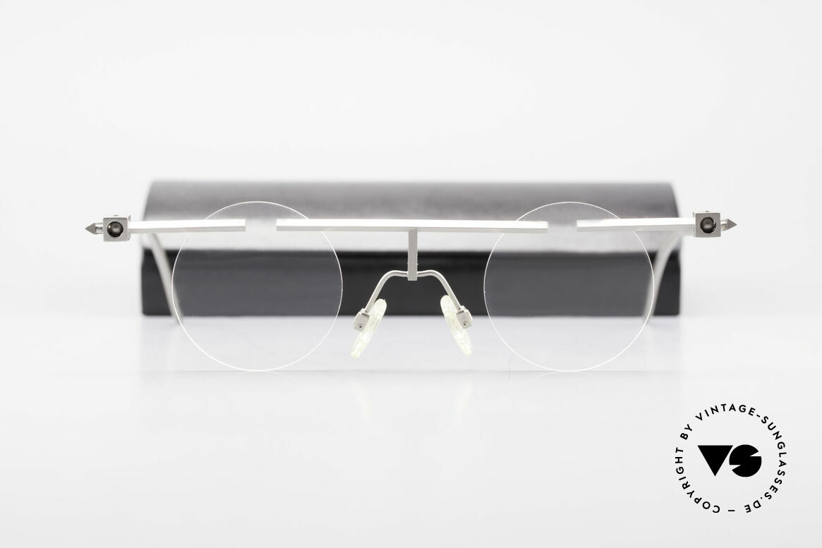 B. Angeletti Sammlerstück Bauhaus Frame Limited Edition, worldwide, only 99pcs of this Bauhaus inspired frame, Made for Men and Women