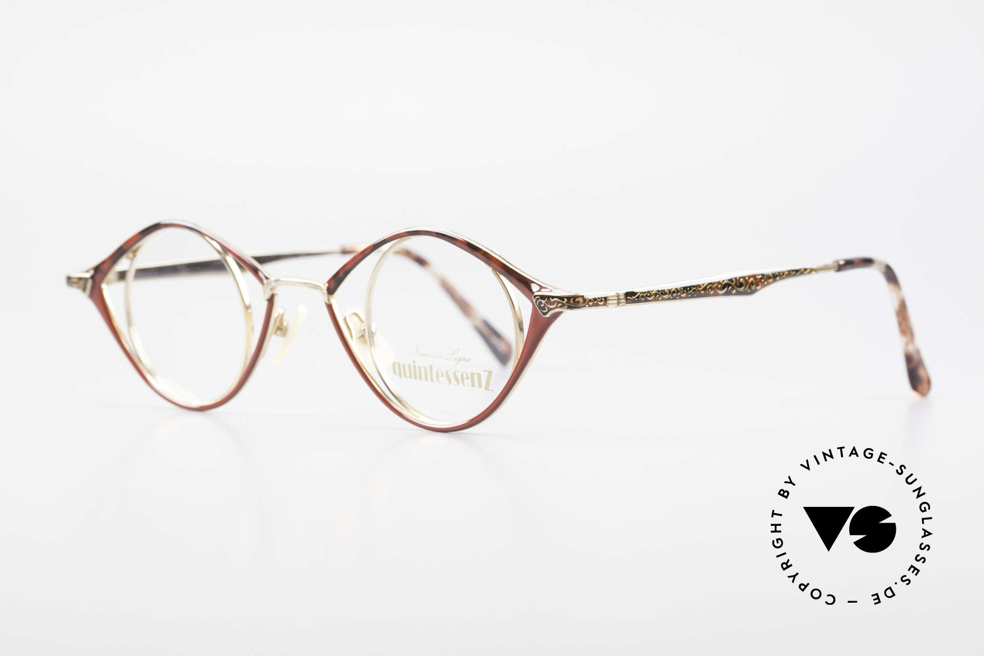 Nouvelle Ligne Q40 Vintage Ladies Specs No Retro, terrific ladies model of the Quintessenz Series, Made for Women