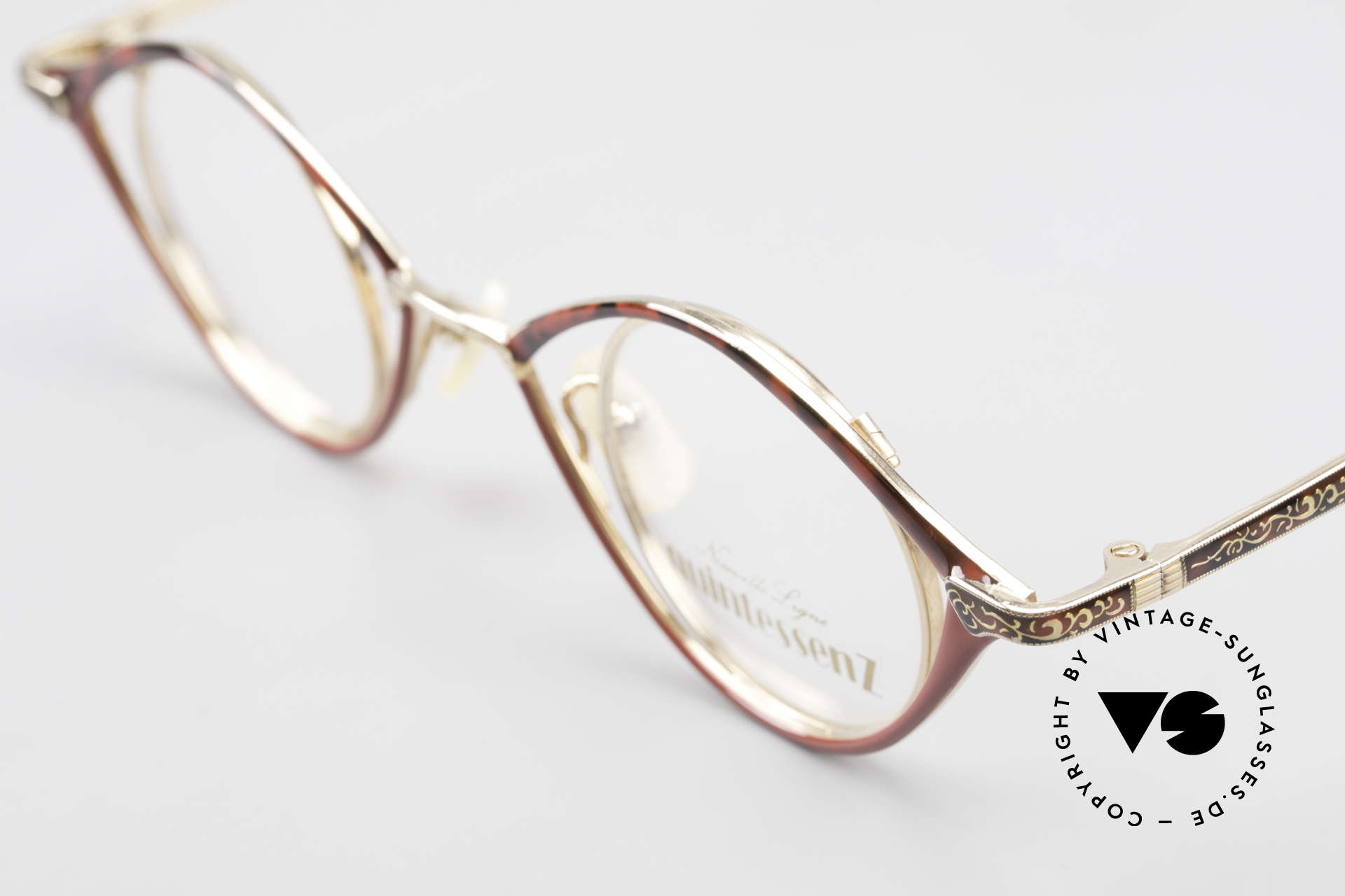 Nouvelle Ligne Q40 Vintage Ladies Specs No Retro, unworn NOS (like all our unique vintage eyewear), Made for Women