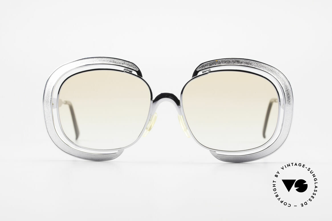 Christian Dior 1208 Lovely 70's Shades For Ladies, wonderful Christian Dior designer sunglasses from 1974, Made for Women