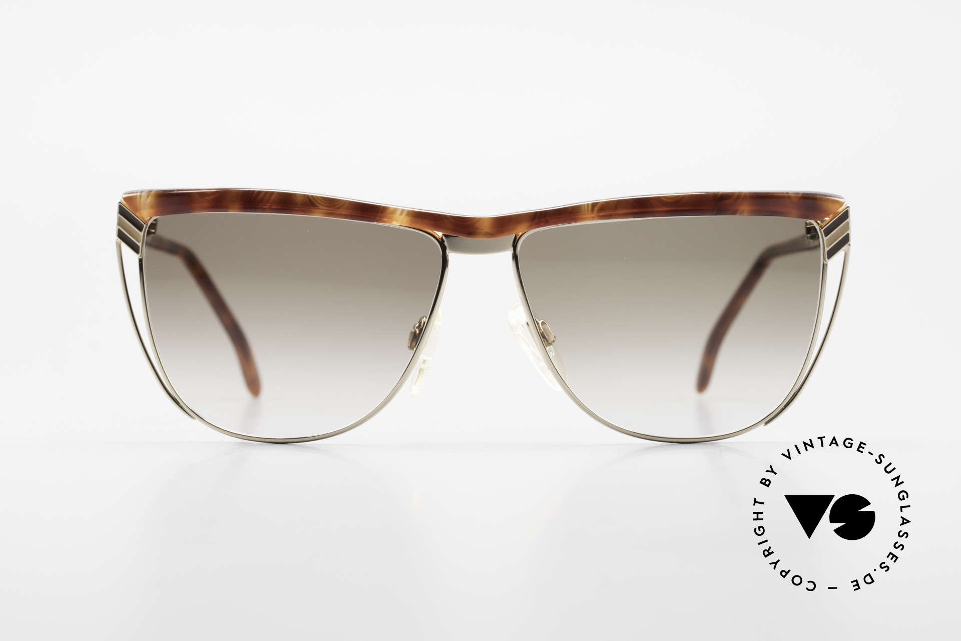 Gucci 2300 Ladies Designer Sunglasses 80s, with the famous Gucci symbol (2 connected stirrups), Made for Women