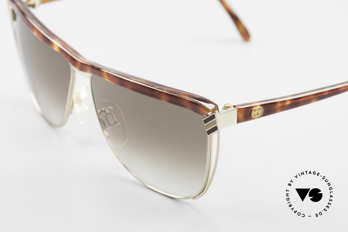 Gucci 2300 Ladies Designer Sunglasses 80s, unworn, NOS (like all our vintage Gucci sunglasses), Made for Women