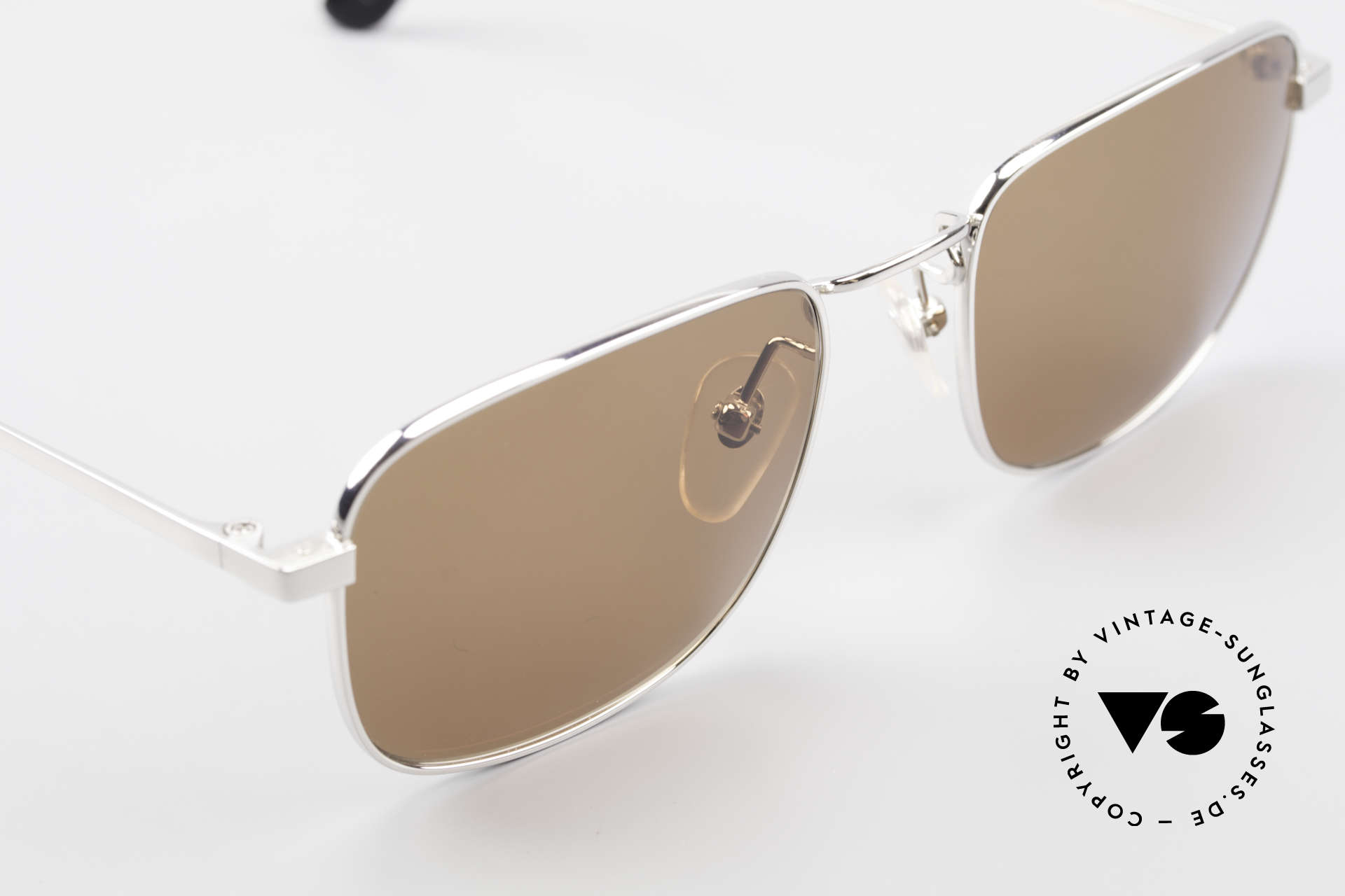 Helmut Lang 21-0004 Titanium Sunglasses Japan, never worn (like all our vintage HELMUT LANG shades), Made for Men